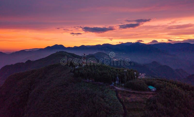 Het toenemen zon van de top van in Taiwan royalty-vrije stock foto's
