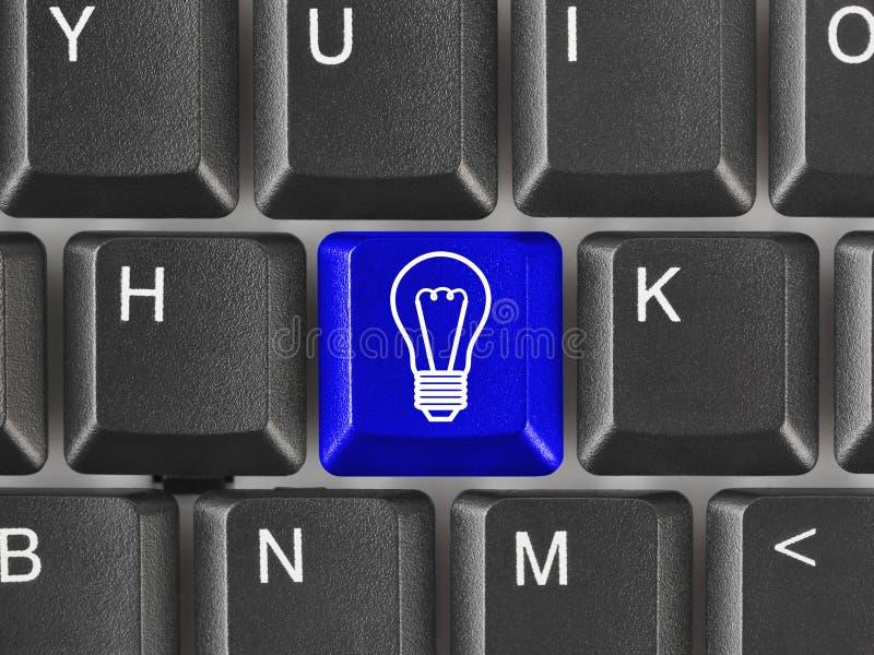 Het toetsenbord van de computer met lampsleutel royalty-vrije stock fotografie