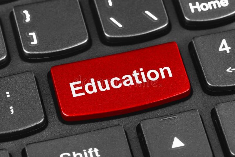 Het toetsenbord van het computernotitieboekje met Onderwijssleutel royalty-vrije stock foto's