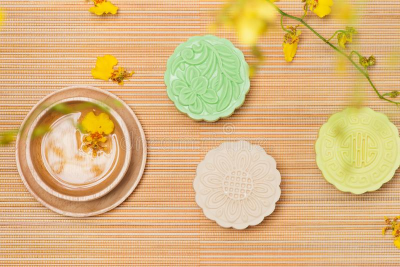Het traditionele Chinese medio voedsel van het de herfstfestival Sneeuwhuid mooncak stock foto's