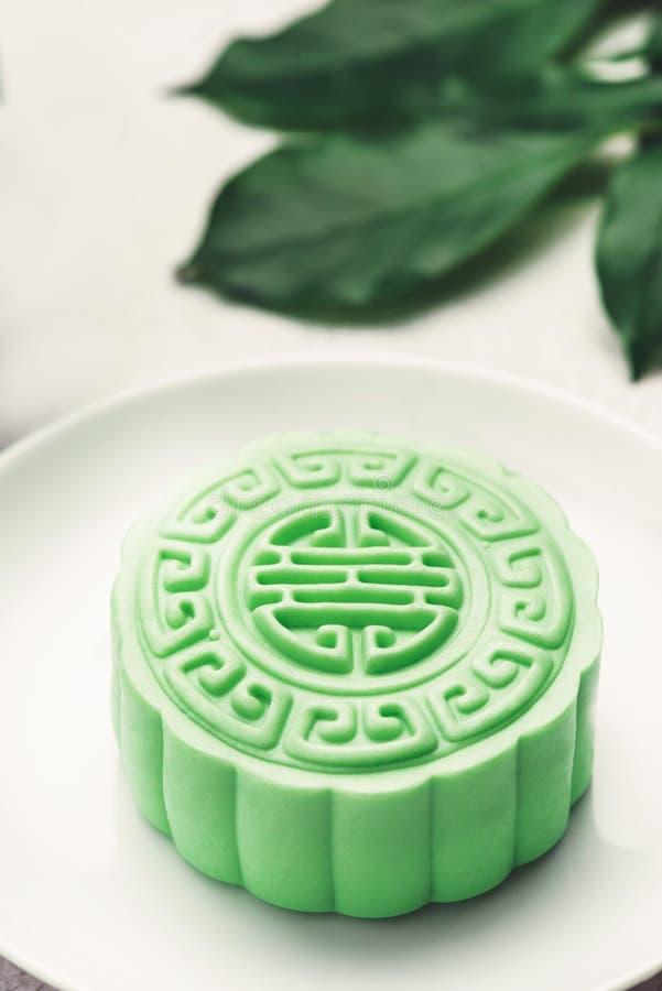 Het traditionele Chinese medio voedsel van het de herfstfestival Sneeuwhuid mooncakes royalty-vrije stock fotografie