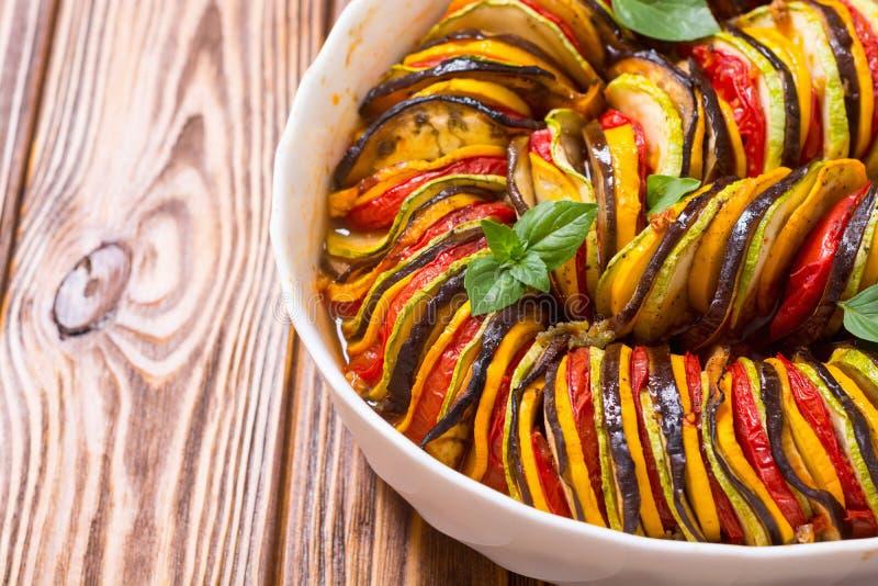 Het traditionele Frans kookte provencal plantaardige schotel - Ratatouille stock fotografie