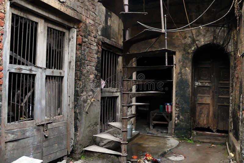 Download Het Traditionele Huis Van Oude Kolkata Redactionele Stock Afbeelding - Afbeelding: 13578834