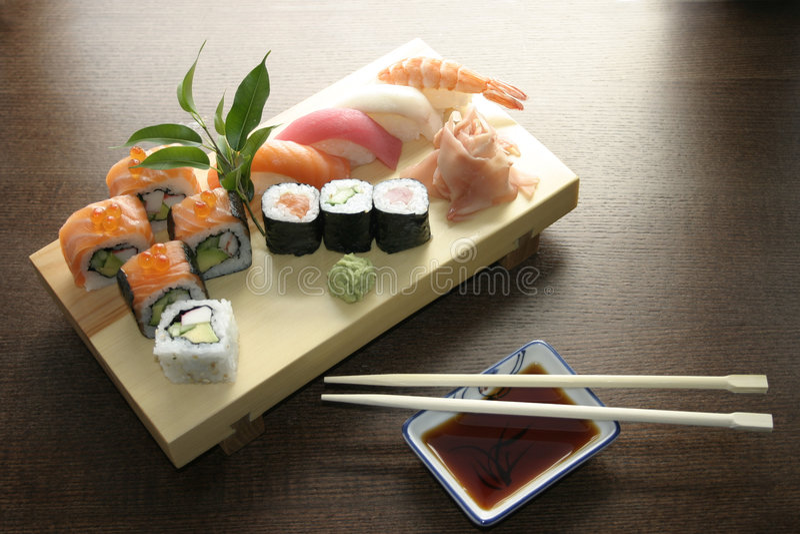 Het traditionele Japanse voedsel van sushi royalty-vrije stock foto's