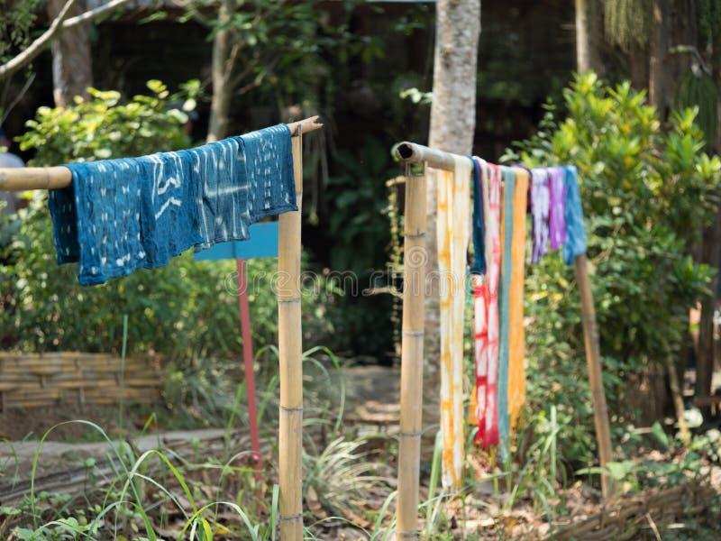 Het traditionele lao weven en het verven, Luang Phabang royalty-vrije stock afbeeldingen