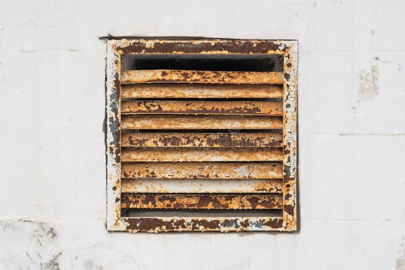 Het Traliewerk van de ijzerventilatie stock afbeelding