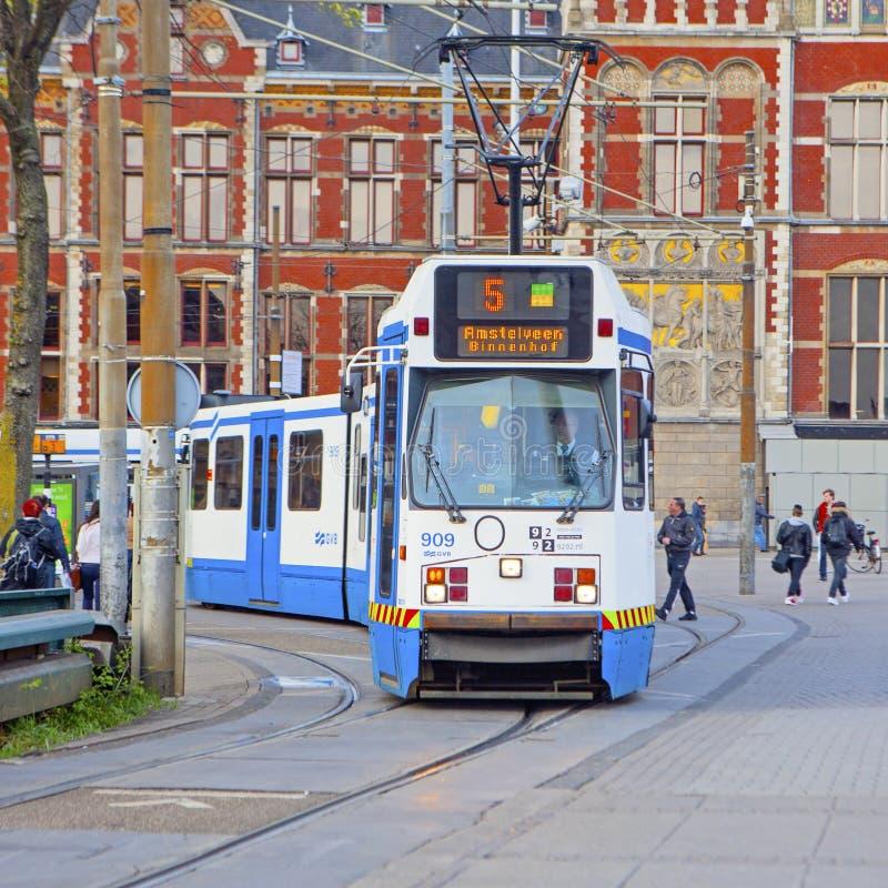 Het trameinde dichtbij Centraal-post De Centrale Post van Amsterdam royalty-vrije stock afbeeldingen