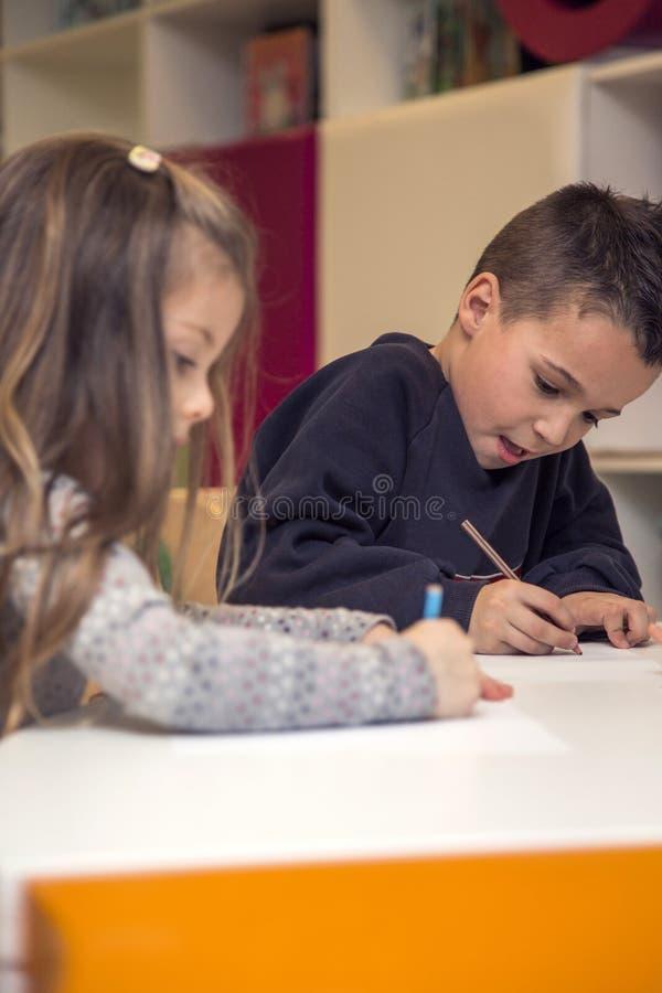 Het trekken van kinderen royalty-vrije stock foto's