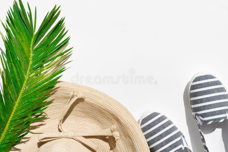 Het tropische concept van de de zomermanier Van het de strandkledingstro van vrouwen het vrouwelijke van het de hoedencanvas van  royalty-vrije stock afbeelding