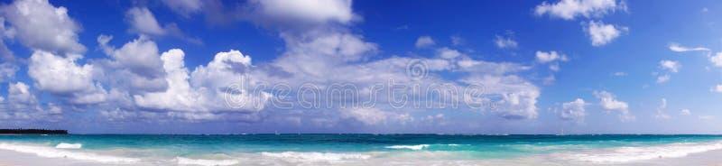 Het tropische Strand van het Paradijs. stock afbeelding