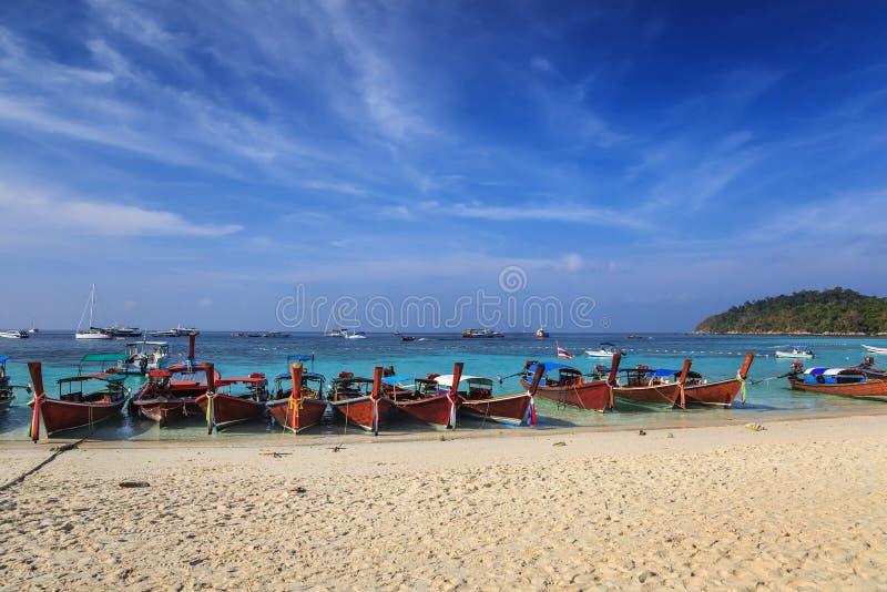 Het tropische strand van Thailand royalty-vrije stock foto's