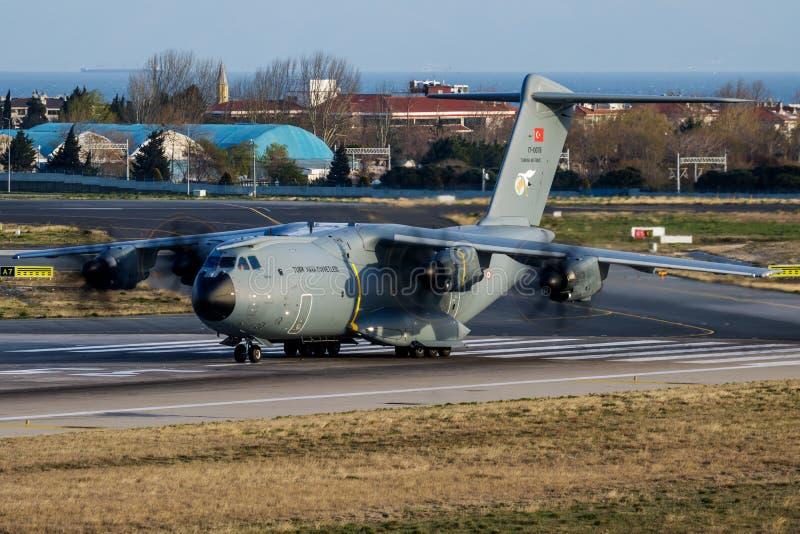 Het Turkse vertrek van het het vervoervliegtuig van de Luchtmachtluchtbus Militaire A400M Atlas 17-0078 militaire bij royalty-vrije stock foto