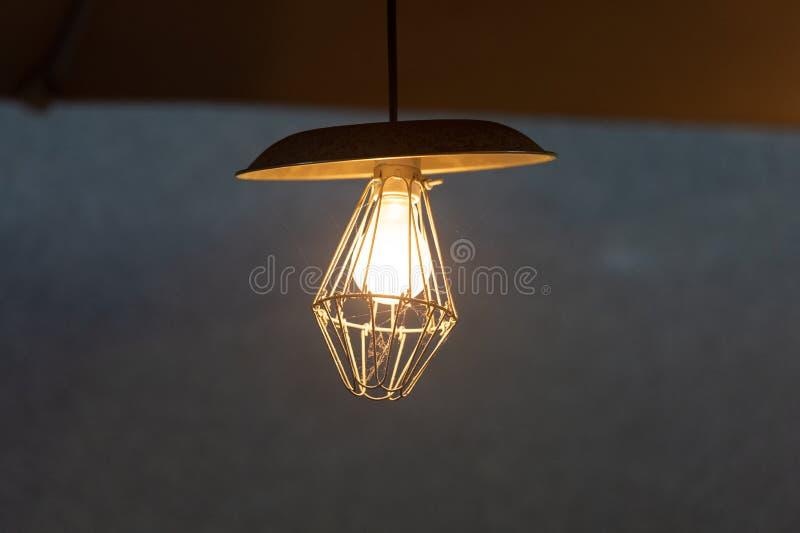 Het uitstekende decor van de verlichtingsbol stock foto