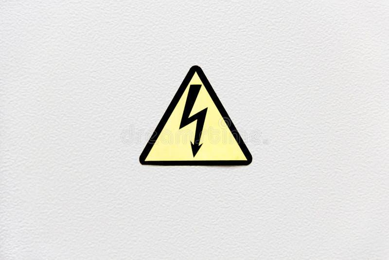 Het uitstekende kijken Signaal van gevaar van dood door elektrocutie na een elektrische schok stock foto's
