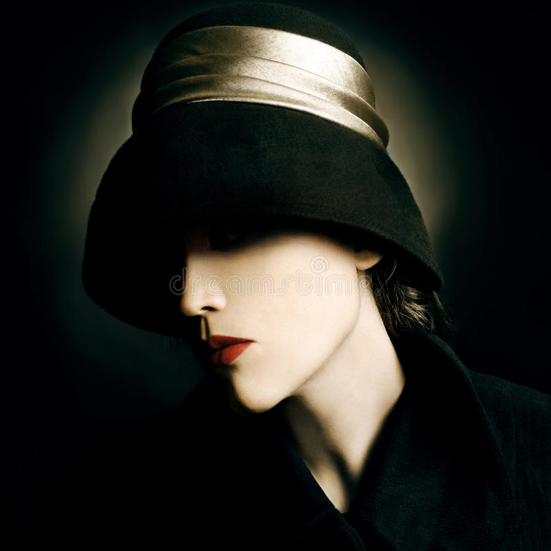 Het uitstekende portret van de maniervrouw royalty-vrije stock afbeelding