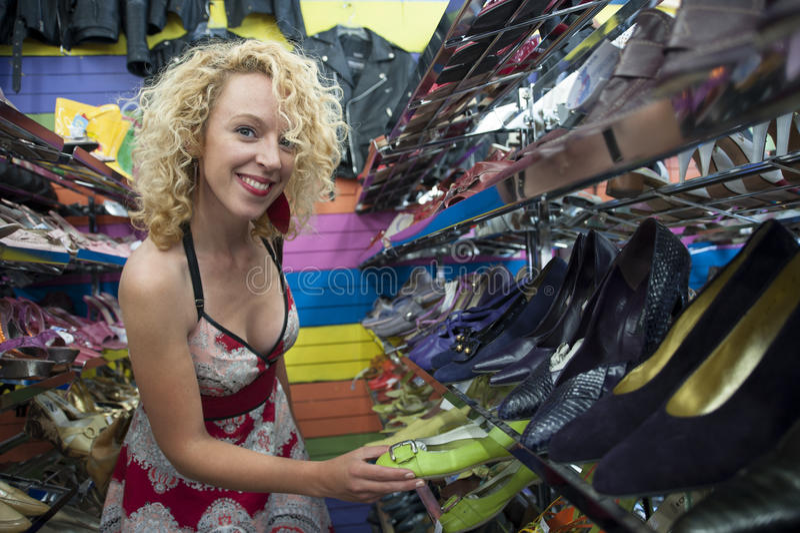 Het uitstekende schoen winkelen stock foto's