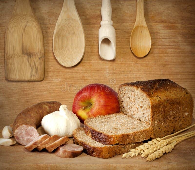 Het uitstekende voedsel van het dieet in retro keukenstilleven stock foto's
