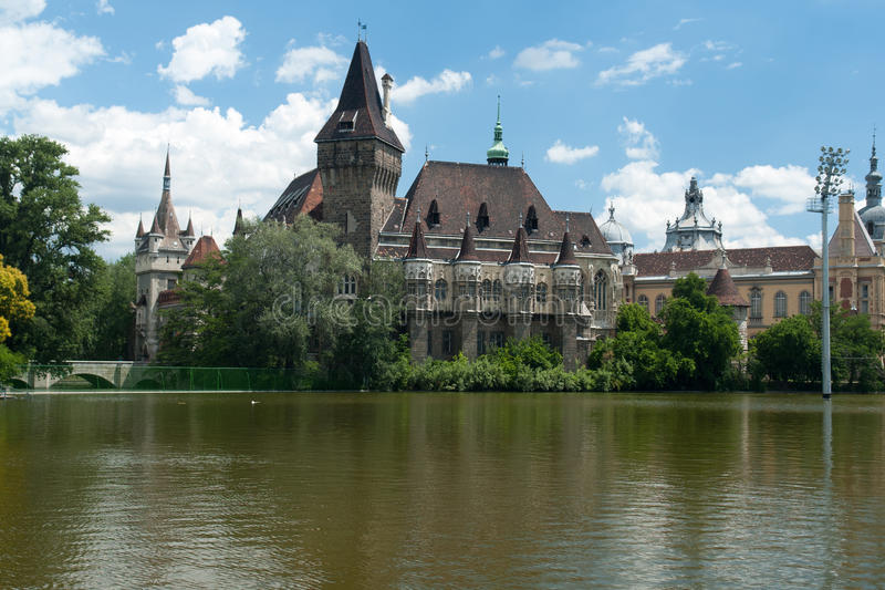 Het Vajdahunyad-kasteel, de hoofdstad van Boedapest stock fotografie
