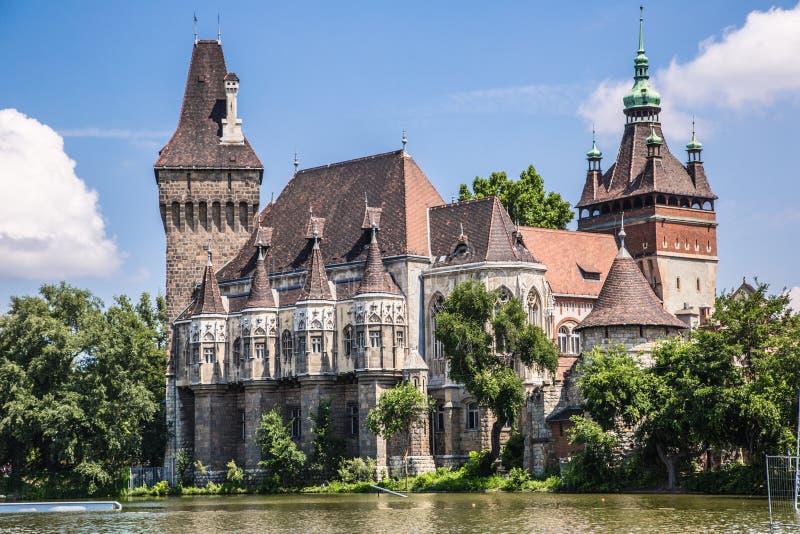 Het Vajdahunyad-kasteel, hoofd de stadspark van Boedapest stock foto's