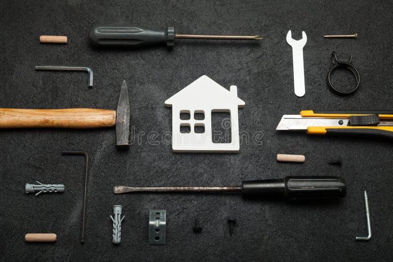Het vakmantimmerwerk, doet het zelf concept Het Werk van het huis stock afbeeldingen