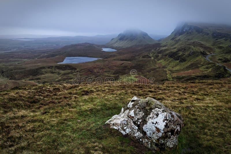 Het vallen van de avond over Quiraing op Eiland van Skye royalty-vrije stock afbeelding