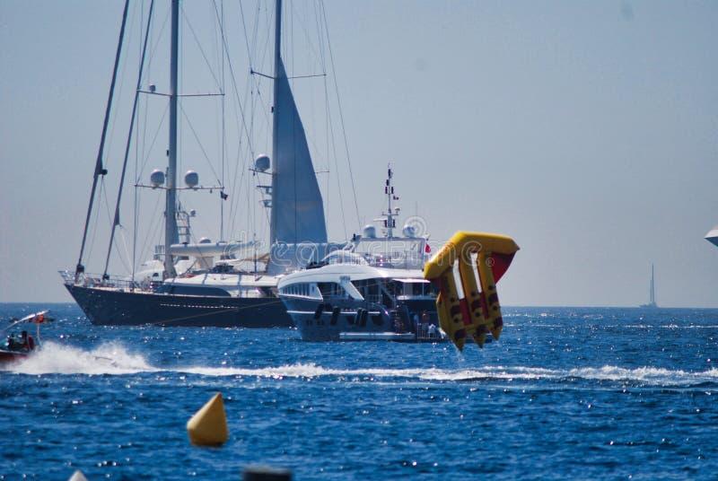 het varen, boot, zeil, voertuig, zeilboot, overzees, rubberboot het varen royalty-vrije stock foto's