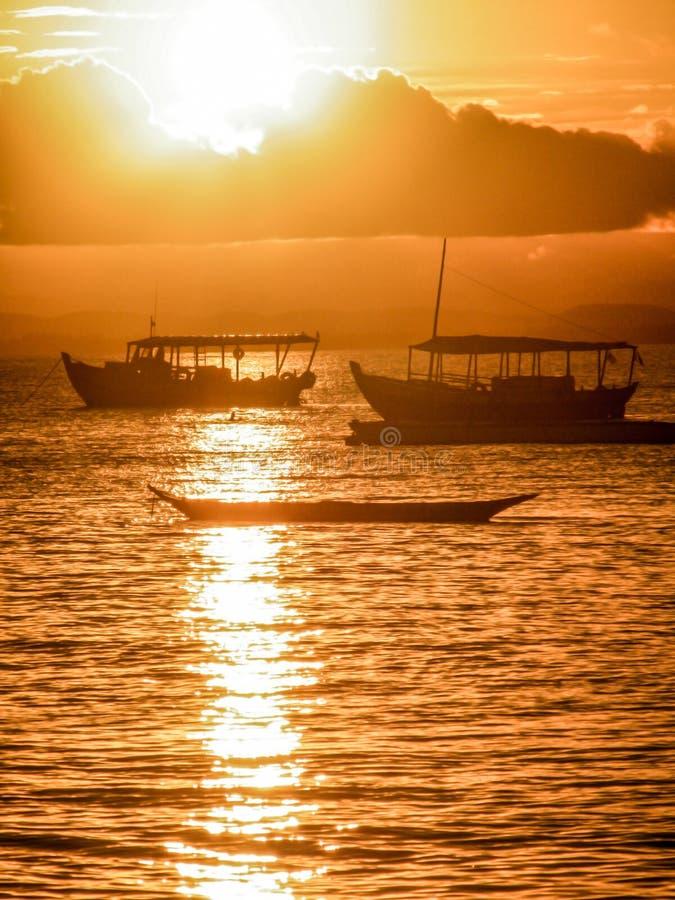 Het varen in Braziliaanse stranden stock foto
