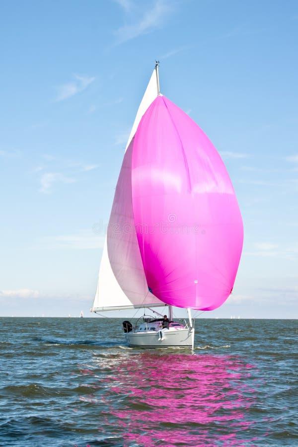 Het varen in Nederland stock afbeeldingen