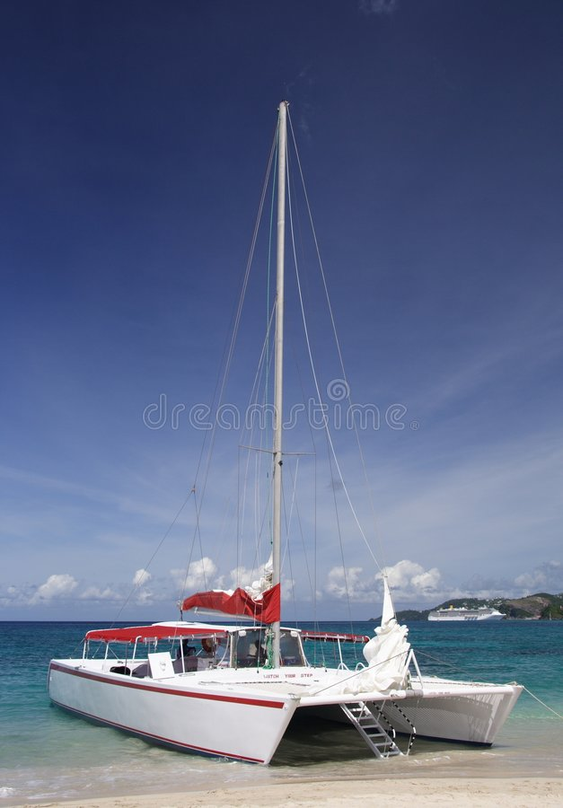Het varen in paradijs stock fotografie