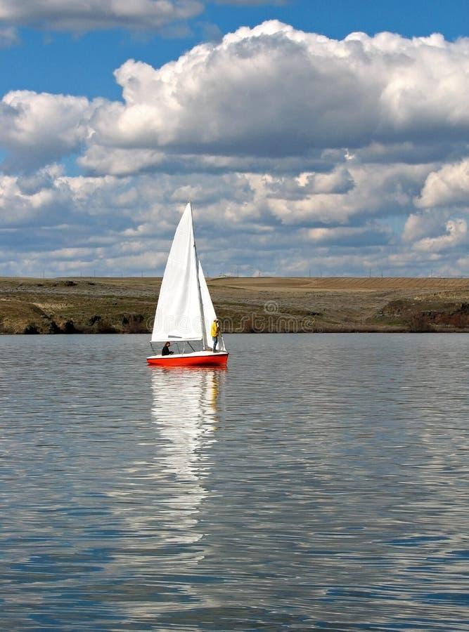 Het Varen van het meer royalty-vrije stock fotografie