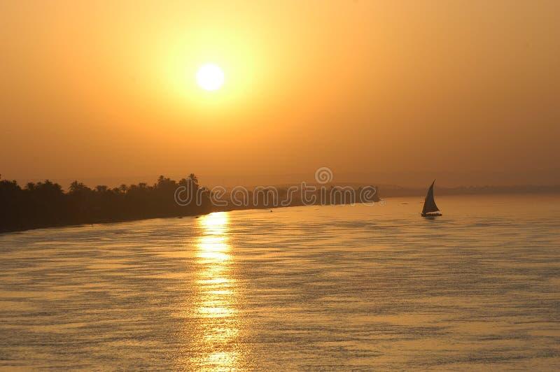 Het varen zonsondergang royalty-vrije stock foto