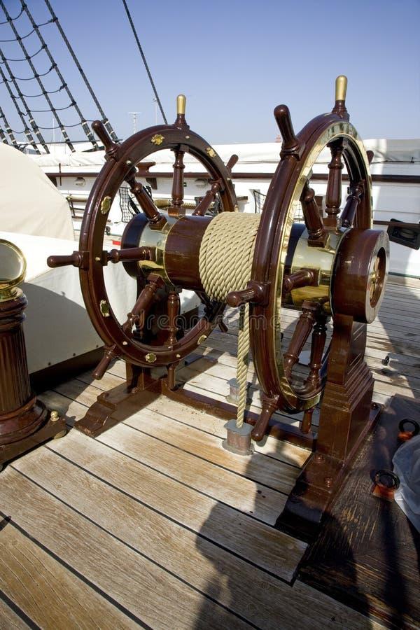 Het varende fregat trekt de riviermuseum aan van Fernando en Gloria Lisbon Portugal Tagus- royalty-vrije stock afbeeldingen
