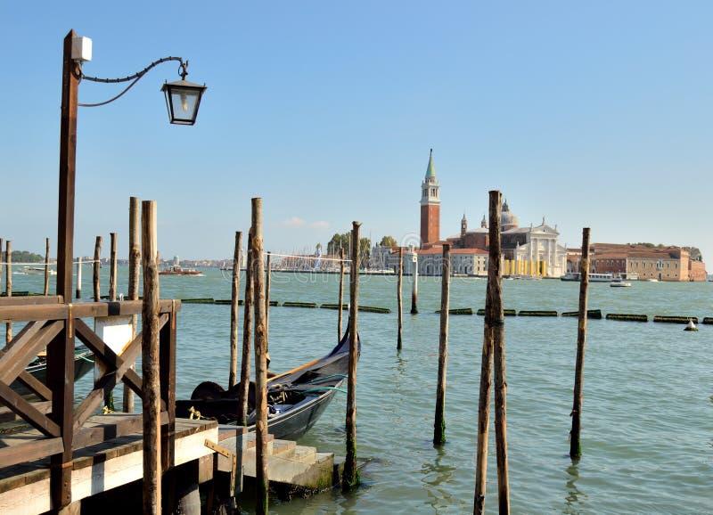 Het vastleggen voor de gondel in Venetië stock foto's