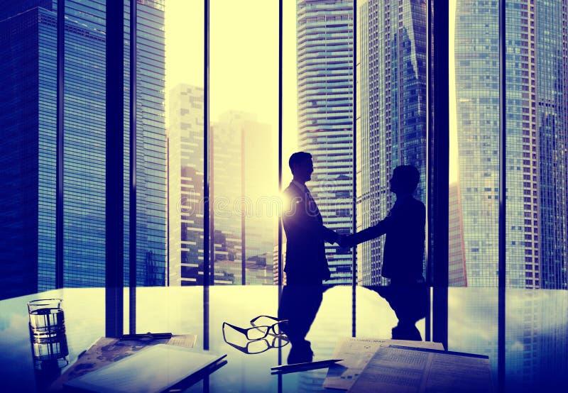 Het Vennootschapovereenkomst Team Office Concep van de bedrijfshanddrukovereenkomst stock foto's