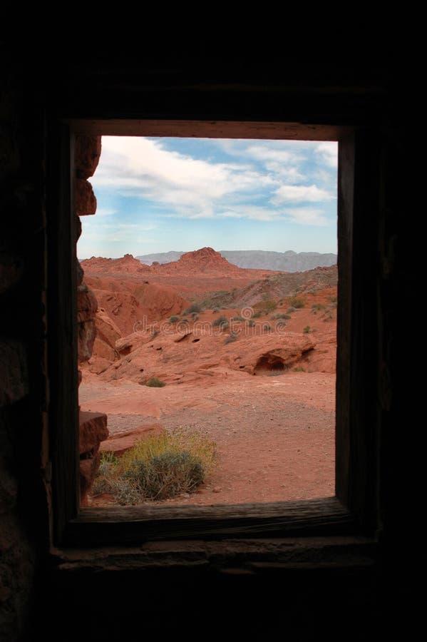 Het Venster van de Cabine van het zandsteen om Landschap te verlaten stock fotografie