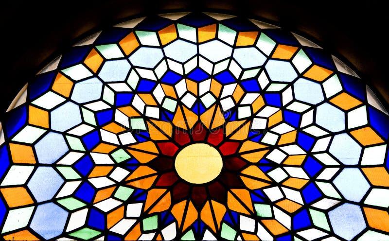 Het venster van het gebrandschilderd glas in de Mezquita kathedraal stock afbeeldingen