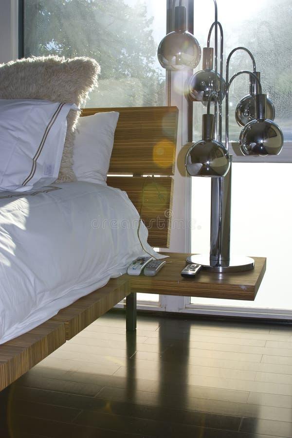 Het vensterlicht van de slaapkamer royalty-vrije stock foto
