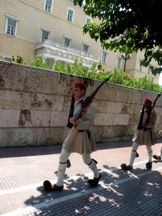 Het veranderen van de Wacht in Athene stock fotografie