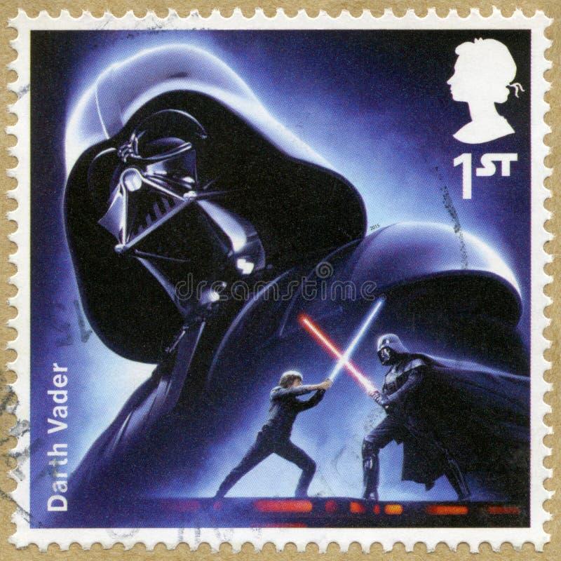 HET VERENIGD KONINKRIJK - 2015: toont portret van Darth Vader, reeks Star Wars, wekt de Kracht stock afbeeldingen