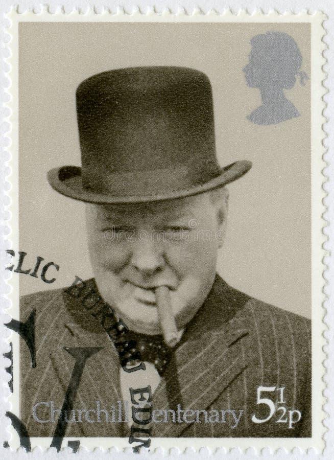 HET VERENIGD KONINKRIJK - 1974: toont Sir Winston Spencer Churchill (1874-1965), met bowlingspeler en sigaar, 1940, politicus stock fotografie