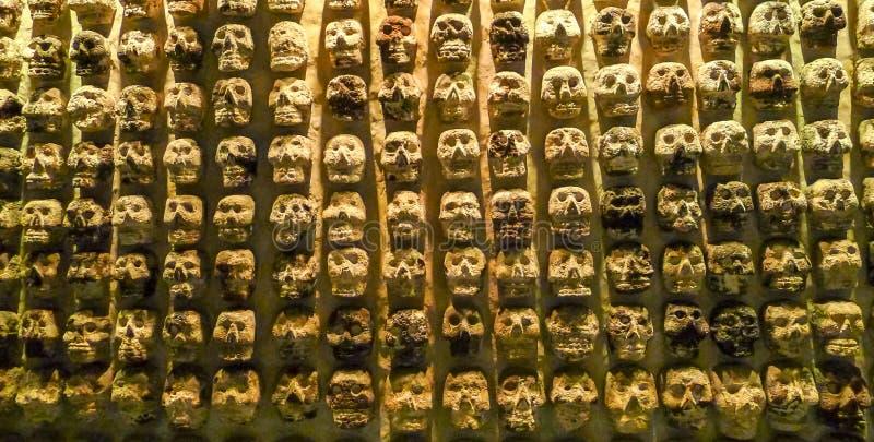 Het verhaal van Aztecaoorlogen in Museo del Templo Burgemeester stock foto's