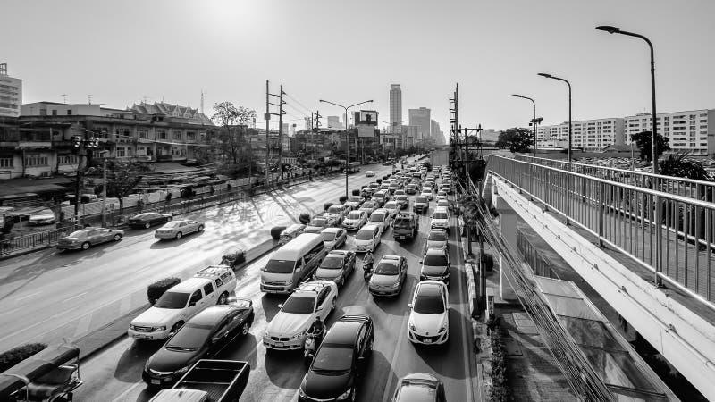 Het verkeer van Bangkok in avond royalty-vrije stock afbeelding