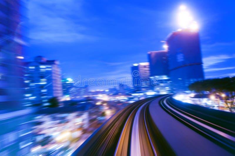 Het verkeer van de nacht. royalty-vrije stock afbeelding