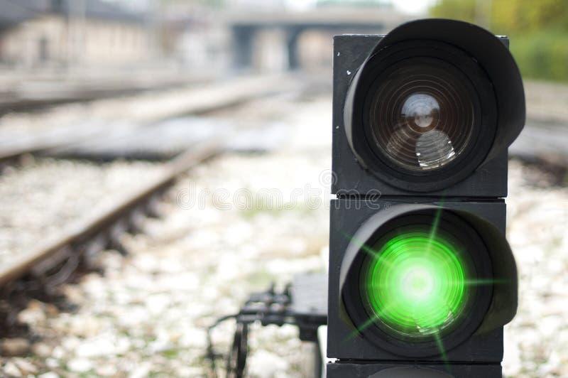 Het verkeerslicht toont rood signaal royalty-vrije stock afbeelding
