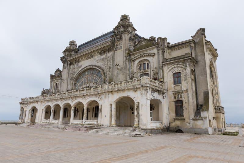 Het verlaten Koninklijke Casino van Constanta stock foto's