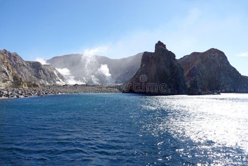 Het verlaten van Whakaari of Wit Eiland in Nieuw Zeeland stock foto's