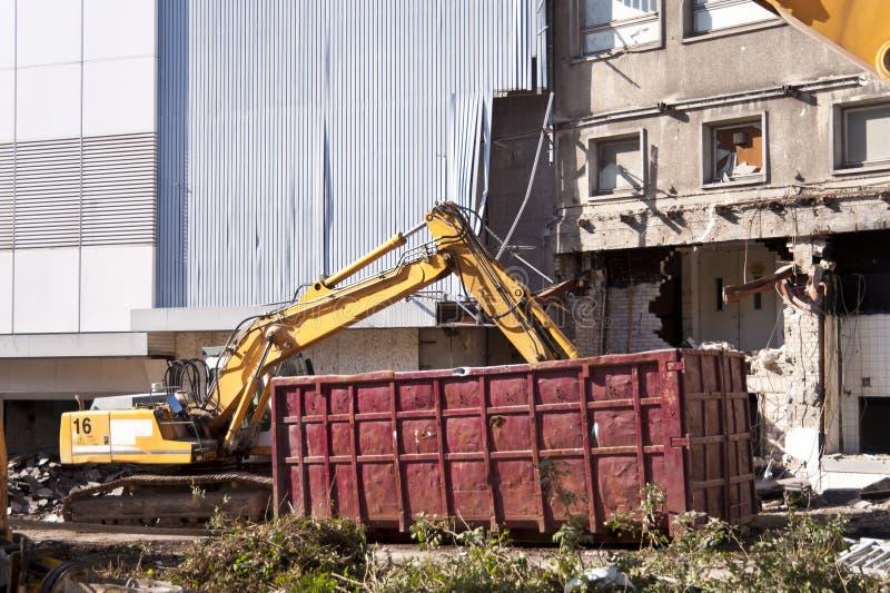 Het vernietigen van de bouw stock foto's