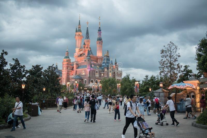 Het Verrukte Verhalenboekkasteel in Shanghai Disneyland, China royalty-vrije stock fotografie