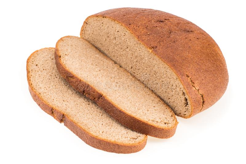 Het verse gesneden die brood van het roggebrood op wit knipsel wordt geïsoleerd als achtergrond stock foto