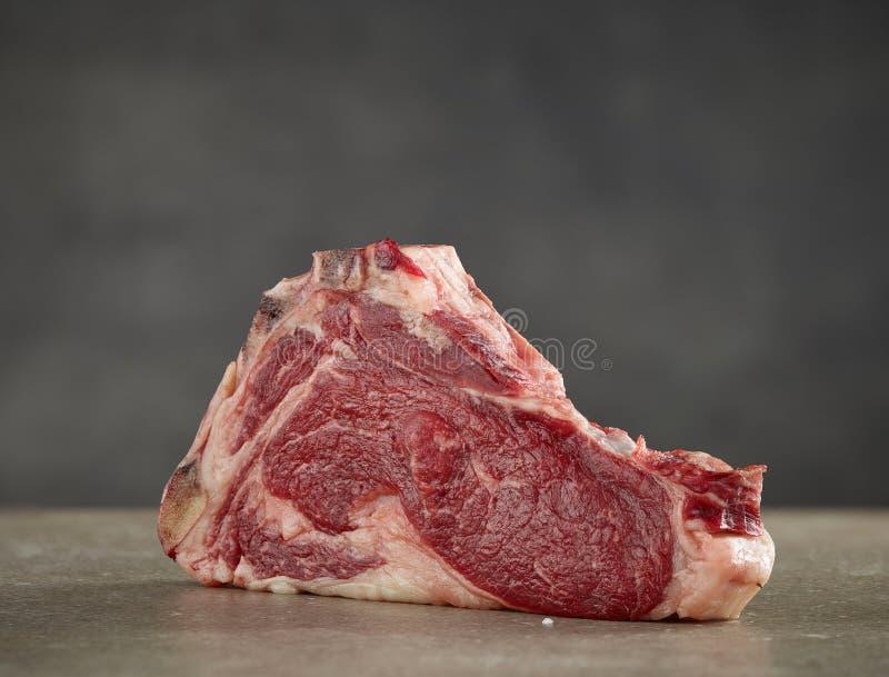 Het verse ruwe vlees van het rundvleeslapje vlees royalty-vrije stock foto's